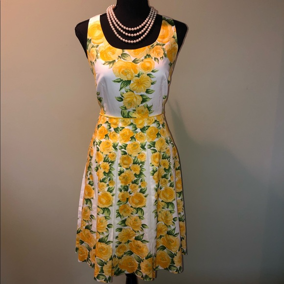Ann Taylor Dresses & Skirts - Ann Taylor White Pleated Dress W/Yellow Flowers 8P